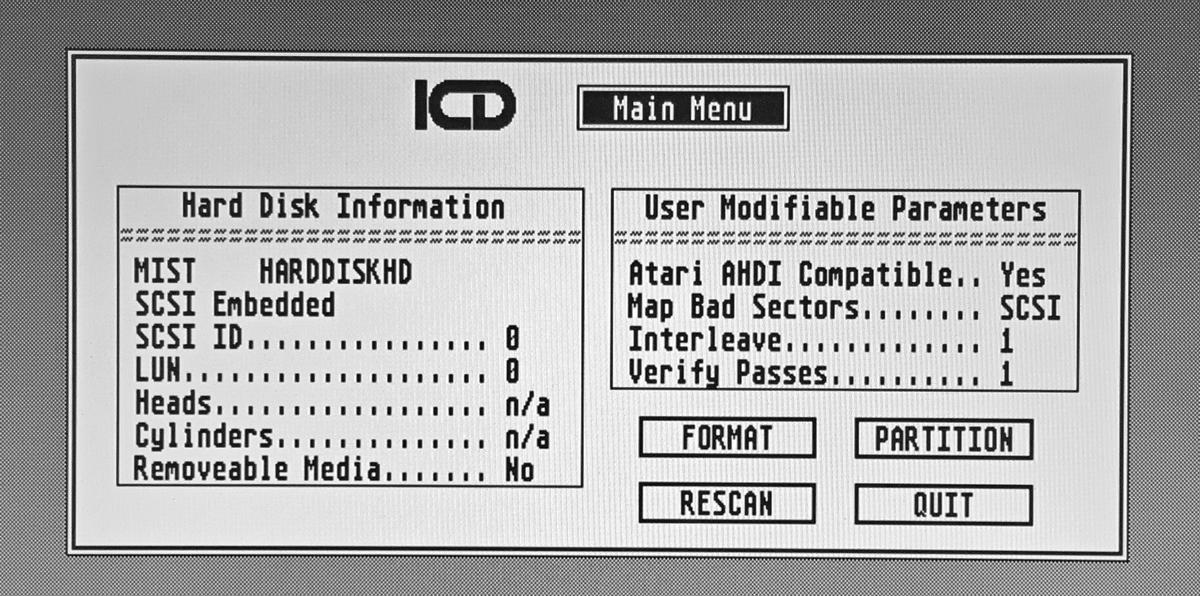 Zrzut ekranu programu ICDFMT.PRG, służącego doformatowania dysku idzielenia go napartycje.